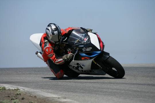 Practice day on my new to me 2005 Suzuki GSXR 600 at Buttonwillow Raceway in Calif. At a Jason Pridmore STAR School (2007) Photo by Munch Photography